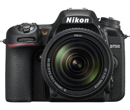 Nikon D7500 + 18-140 VR Kit