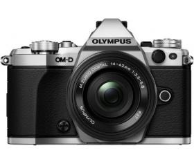Olympus E-M5 Mark II + 14-42mm Pencake Kit Ezüst